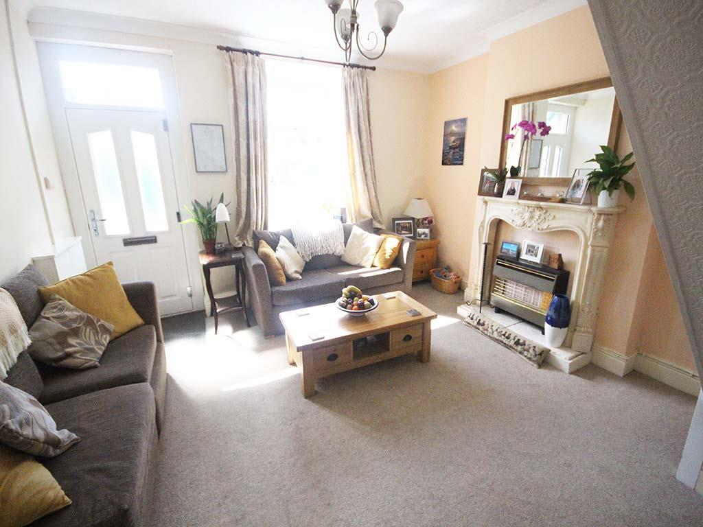 2 bedroom end terrace house For Sale in Winewall - IMG_7296.jpg